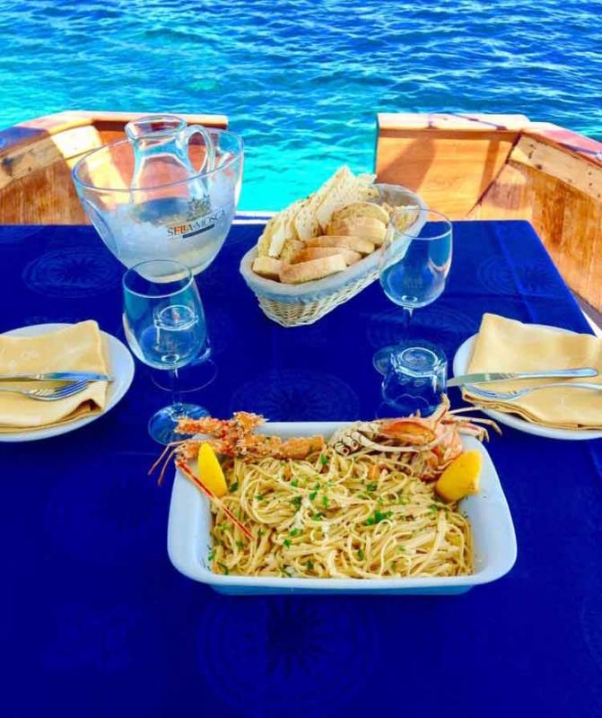 Pranzo in barca Asinara Charter Service